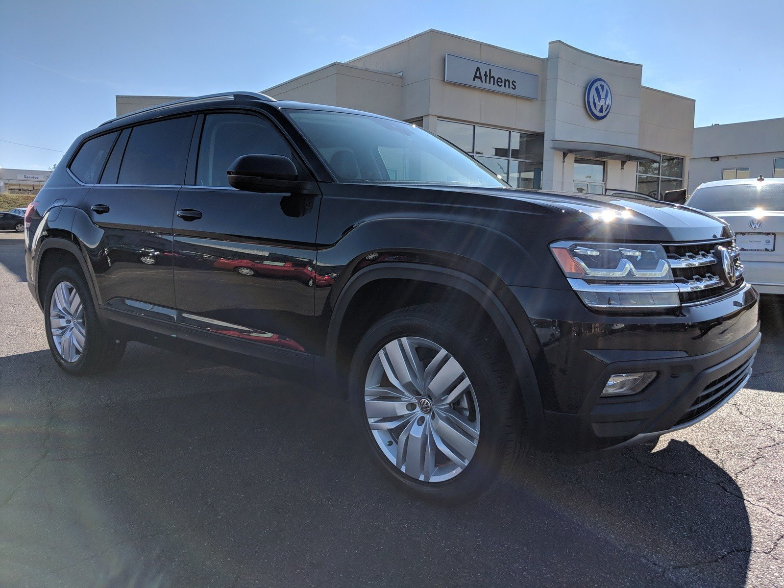 New 2019 Volkswagen Atlas 3.6L SE w/Technology