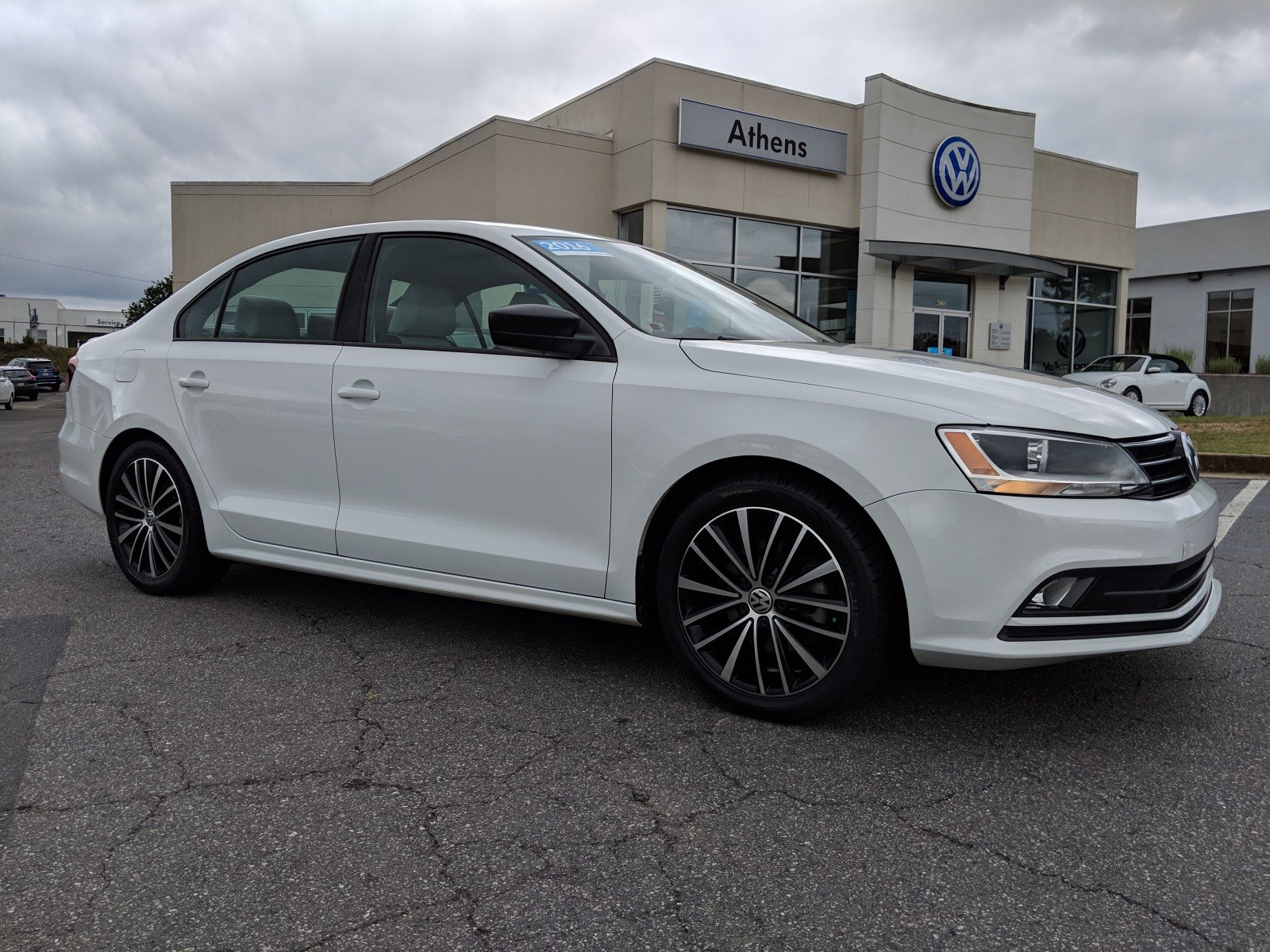 Pre-Owned 2016 Volkswagen Jetta Sedan 1.8T Sport